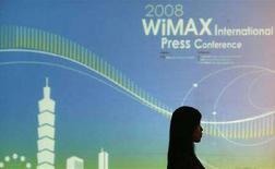 <p>Immagine d'archivio di un poster dui WiMax. REUTERS/Pichi Chuang (TAIWAN)</p>