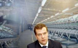 <p>Президент России Дмитрий Медведев на заседании Госсовета в Иваново 20 июня 2008 года. Президент России Дмитрий Медведев напомнил правительству, которое возглавляет его предшественник Владимир Путин, об обещаниях снизить инфляцию, которую оба лидера признают основной проблемой. (REUTERS/Denis Sinyakov)</p>