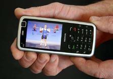 <p>Un cellulare Nokia REUTERS /Arnd Wiegmann</p>