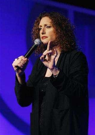 Judy Gold addresses the crowd during the 18th annual Gay & Lesbian Alliance Against Defamation (GLAAD) award show in New York March 26, 2007. REUTERS/Lucas Jackson