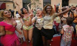 <p>Immagine della manifestazione di ieri a Madrud delle prostitute. REUTERS/Andrea Comas (SPAIN)</p>