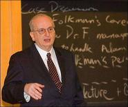 <p>Il dottor Judah Folkman in una foto d'archivio. REUTERS/Harvard University/Handout</p>