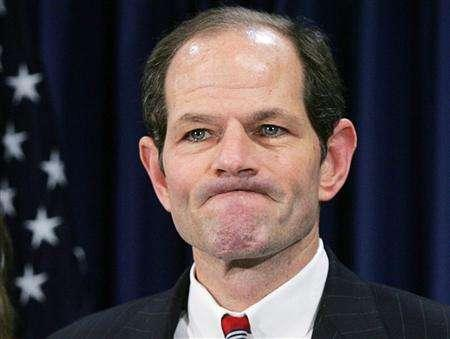 New York Governor Eliot Spitzer addresses the media at his office in New York, March 10, 2008. REUTERS/Shannon Stapleton