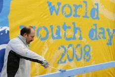 <p>Fervono i preparativi per l'arrivo del Papa a Sydney per la Giornata Mondiale della Gioventù. REUTERS/Daniel Munoz (AUSTRALIA)</p>