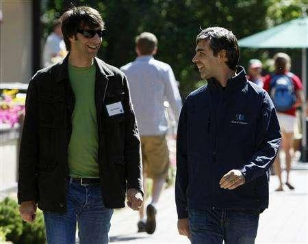 Digg Inc Chairman and CEO Jay Adelson (L) walks with Google co-founder Larry Page at the 26th annual Allen & Co conference in Sun Valley, Idaho July 10, 2008. REUTERS/Rick Wilking
