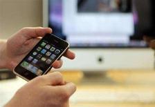 <p>L'Apple iPhone 3G REUTERS/Brian Snyder</p>