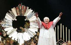 <p>Papa Benedetto XVI a Sydney. REUTERS/Will Burgess</p>