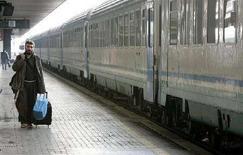<p>Treni, per Garante prezzi aumenti superiori a media Ue. REUTERS/Max Rossi</p>