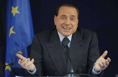 <p>Премьер-министр Италии Сильвио Берлускони на пресс-конференции в Брюсселе, 20 июня 2008 года. Итальянский парламент во вторник проголосовал за предоставление иммунитета премьер-министру Сильвио Берлускони, что означает запрет на привлечение его к судебной ответственности на период исполнения обязанностей. (REUTERS/Marco Valdo)</p>