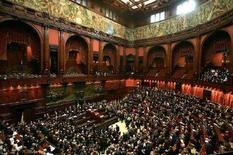 <p>Una foto d'archivio dell'aula di Montecitorio. REUTERS/ Alessandro Bianchi</p>