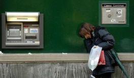 <p>Un bancomat. REUTERS/Michele Crosera</p>