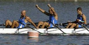 <p>L'equipaggio azzurro di canottaggio 4 di coppia uomini dopo una gara dei Giochi. REUTERS/Jason Lee</p>