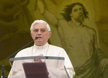 <p>Papa Benedetto XVI all'Angelus. REUTERS/Tony Gentile</p>