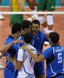 <p>La squadra italiana dopo un punto durante la partita di oggi REUTERS/Alexander Demianchuk</p>