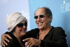 <p>Adriano Celentano con la moglie Claudia Mori alla 65esima Mostra del Cinema di Venezia. REUTERS/Denis Balibouse</p>