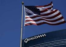 <p>La sede di Qualcomm a San Diego, Usa. REUTERS/Mike Blake (UNITED STATES)</p>