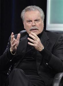 Actor Robert Wagner answers questions during the panel for the AMC television show ''Hustle'' at the Television Critics Association 2007 winter press tour in Pasadena, California, January 12, 2007. REUTERS/Phil McCarten