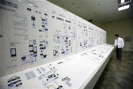 A technician works inside a nuclear power plant in Bushehr, about 755 miles south of Tehran, April 3, 2007. REUTERS/Raheb Homavandi