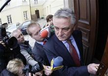 <p>Il ministro polacco dello Sport Miroslaw Drzewiecki a Varsavia.. REUTERS/Peter Andrews</p>