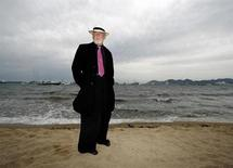 <p>Actor Nick Nolte on the beach during the 59th Cannes Film Festival, May 23, 2006. REUTERS/Eric Gaillard</p>