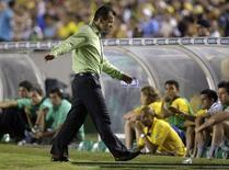 <p>Técnico Dunga reclame de jogada no banco de reservas da seleção brasileira, durante empate de 0x0 com a Colômbia, quarta-feira, no Maracanã. REUTERS/Bruno Domingos</p>