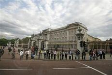 <p>Buckingham Palace in London is shown in this file photo, taken June 15, 2008. REUTERS/Jason Reed</p>