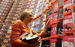 <p>Uno stand alla Fiera del Libro di Francoforte. REUTERS/Alex Grimm (GERMANY)</p>