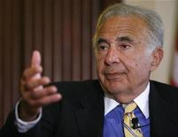 <p>Investor Carl Icahn speaks at the Wall Street Journal Deals & Deal Makers conference, held at the New York Stock Exchange, June 27, 2007. REUTERS/Chip East</p>
