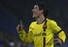 <p>Bojan Krkic comemora terceiro gol contra o FC Basel em partida da Liga dos Campeões em 22 de outubro. O atacante do Barcelona vai voltar a um campo bem familiar na partida da Copa do Rei contra o Benidorm, na terça-feira. REUTERS/Pascal Lauener</p>
