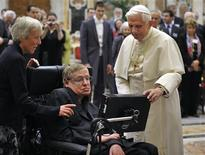 <p>Pope Benedict XVI (R) greets British professor Stephen Hawking during a meeting of science academics at the Vatican October 31, 2008. REUTERS/Osservatore Romano</p>