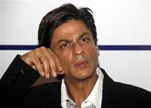 <p>Bollywood actor Shah Rukh Khan attends a function organised by The Associated Chambers of Commerce and Industry of India (ASSOCHAM) in Mumbai May 27, 2008. REUTERS/Manav Manglani</p>