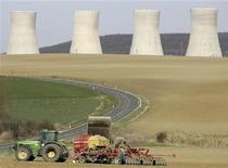 <p>La centrale nucleare slovacca di Mochovce, costruita da una società di cui è proprietaria l'italiana Enel. REUTERS/David W Cerny</p>