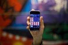 <p>Un iPhone 3G della Apple. REUTERS/Morteza Nikoubazl</p>