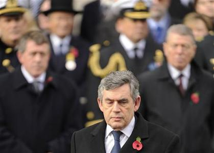 Prime Minister Gordon Brown arrives for the Armistice Day service at The Cenotaph in London, November 11, 2008. REUTERS/Toby Melville