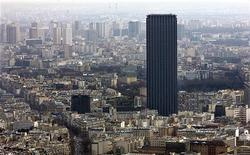 <p>The Montparnasse tower, the tallest building in Europe is seen dominating Paris skyline, March 14, 2005. REUTERS/Philippe Wojazer</p>