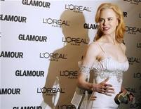 """<p>Foto de archivo de la actriz Nicole Kidman a su llegada a la ceremonia de premios Glamour en Nueva York, 10 nov 2008. En medio de una ofensiva publicitaria, Australia saca a la luz este martes la película más cara de su historia esperando que su título, """"Australia"""", atraiga a inversores extranjeros para reavivar la industria del cine y para atraer al turismo. REUTERS/Lucas Jackson</p>"""
