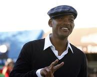 """<p>Will Smith gestures at the premiere of """"Madagascar: Escape 2 Africa"""" at the Mann Village theatre in Westwood, California October 26, 2008. REUTERS/Mario Anzuoni</p>"""