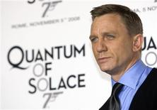 """<p>O ator britânico Daniel Craig na cerimônia de lançamento do filme de James Bond """"Quantum of Solace"""", em Roma.REUTERS/Alessandro Bianchi</p>"""