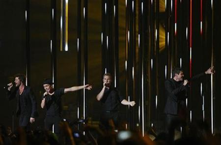 British band Take That perform during the MTV Europe Music Awards ceremony in Liverpool, November 6, 2008. REUTERS/Phil Noble