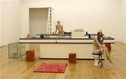 <p>La instalación de la nominada al premio Turner Cathy Wilkes, titulada 'I Give You All My Money', en Londres 29 sep 2008. Tres mujeres están entre los candidatos a los premios artísticos Turner, uno de los más prestigiosos y controvertidos del mundo y que sólo ha obtenido una mujer tres veces desde 1984. REUTERS/Alessia Pierdomenico</p>