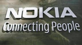 <p>Il logo di Nokia. REUTERS/Bob Strong (FINLAND)</p>