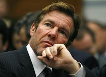 <p>Dennis Quaid listens to remarks as he testifies before the House Oversight and Government Reform Committee on whether Food and Drug Administration (FDA) regulations should bar liability claims during a hearing on Capitol Hill in Washington May 14, 2008. REUTERS/Kevin Lamarque</p>