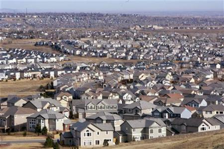 A view of a neighborhood in the town of Superior, Colorado, a Denver suburb February 27, 2006. REUTERS/Rick Wilking