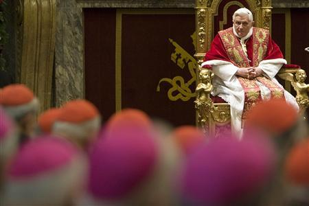 Pope Benedict XVI addresses cardinals for Christmas wishes in in the Clementine Hall at the Vatican December 22, 2008. REUTERS/Max Rossi