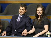<p>La figlia di Sarah Palin, Bristol (a destra) con il fidanzato Levi Johnston REUTERS/Rick Wilking</p>