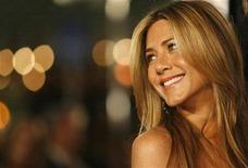 """<p>Foto de archivo de la actriz estadounidense Jennifer Aniston durante la función de estreno de la cinta """"Marley & Me"""" en Westwood, California, 11 dic 2008. REUTERS/Mario Anzuoni (UNITED STATES)</p>"""
