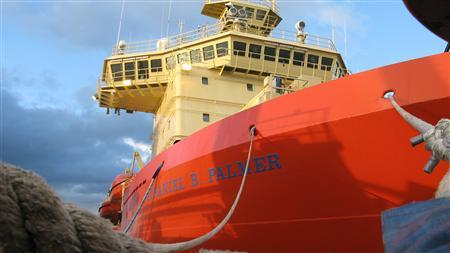 The Nathaniel B. Palmer U.S. ice breaker, carrying scientists and a British robot submarine, docks at a port in Punta Arenas in southern Chile January 6, 2009, before a trip to Antarctica. The submarine will dive under an ice shelf in Antarctica to seek clues to world ocean level rises in one of the most inaccessible places on earth. Picture taken January 6, 2009.REUTERS/Alister Doyle