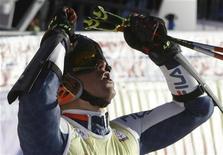 <p>Massimiliano Blardone festeggia il secondo posto REUTERS/Stefan Wermuth</p>