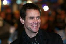 <p>Jim Carrey smiles as he arrives for the U.K. premiere of 'Yes Man' in Leicester Square, central London December 9, 2008. REUTERS/Andrew Parsons</p>