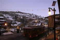 <p>A trolley travels down Main Street at the 2009 Sundance Film Festival in Park City, Utah January 14, 2009. REUTERS/Danny Moloshok</p>